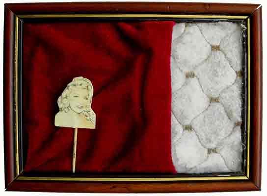 Treat cake like a Lady / 2006 / 20 x 15 cm / Mixed Media